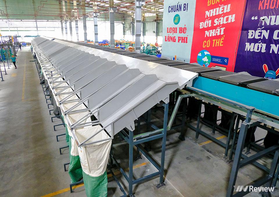 Đột nhập trung tâm chia chọn bưu phẩm tự động lớn nhất Việt Nam của Viettel Post - Ảnh 6.
