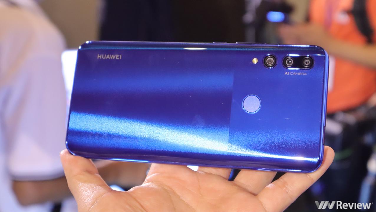 Trên tay Huawei Y9 Prime 2019: vẫn dùng Google, Facebook bình thường, camera thò thụt, giá 6,5 triệu