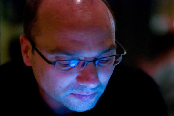 """Cha đẻ Android, Andy Rubin dính các cáo buộc về điều hành đường dây """"gái mại dâm"""""""