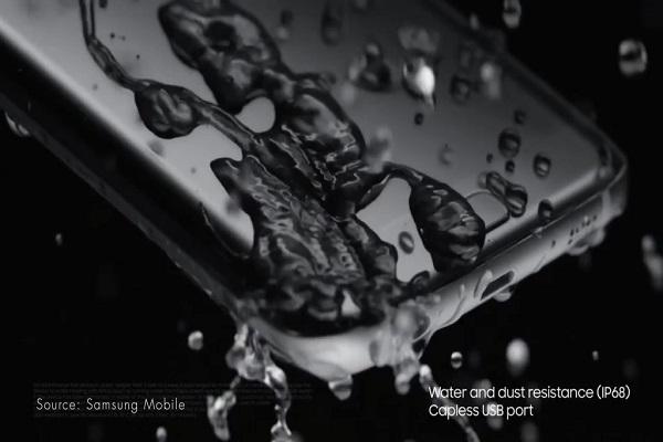 Uỷ ban bảo vệ người tiêu dùng Úc kiện Samsung vì quảng cáo điện thoại Galaxy chống nước không đúng thực tế
