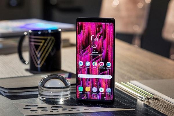 """Top 6 smartphone cao cấp có pin """"trâu"""" nhất hiện nay"""