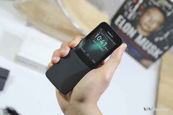 """Hai điện thoại Nokia """"trở về tuổi thơ"""" từng gây sốt một thời đang có giá ngon bất ngờ!"""