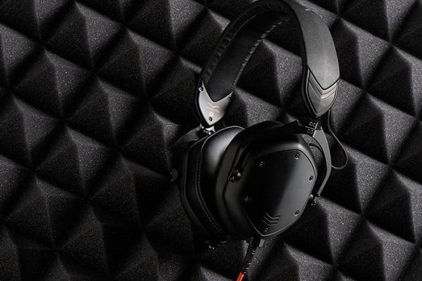 V-Moda hợp tác với Roland ra mắt chiếc tai nghe Crossfade M-100 Master