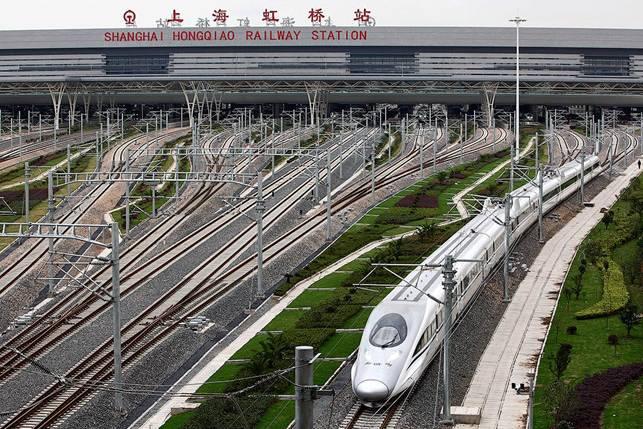 Trung Quốc tạo nên kỳ tích với đường sắt tốc độ cao như thế nào?