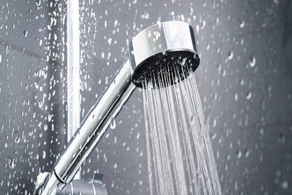 Điều chỉnh nhiệt độ nước trước khi tắm giúp dễ ngủ hơn