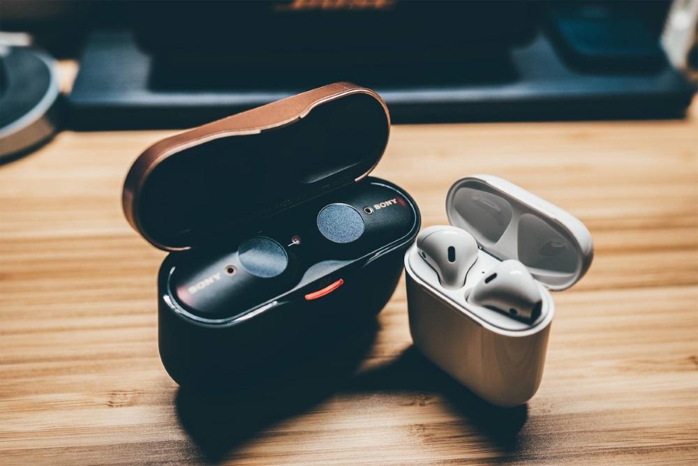 So sánh Apple AirPods và Sony WF-1000XM3: chọn tiện lợi hay khử ồn?