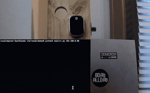 Lỗ hổng bảo mật trong một trung tâm nhà thông minh cho phép tin tặc mở khóa cửa trước
