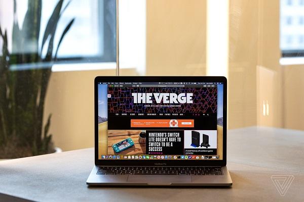 """Những điều cần biết về MacBook Pro 13-inch mới: Nhiều nâng cấp đáng giá ẩn sau mác """"giá rẻ"""" (phần 1)"""