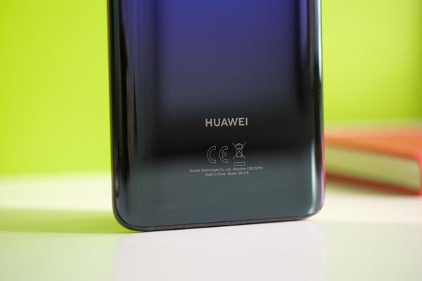 Huawei Mate 30 Pro lần đầu tiên lộ ảnh thực tế