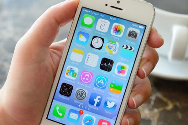 iPhone 4s, iPad 2 bất ngờ được cập nhật để vá lỗi