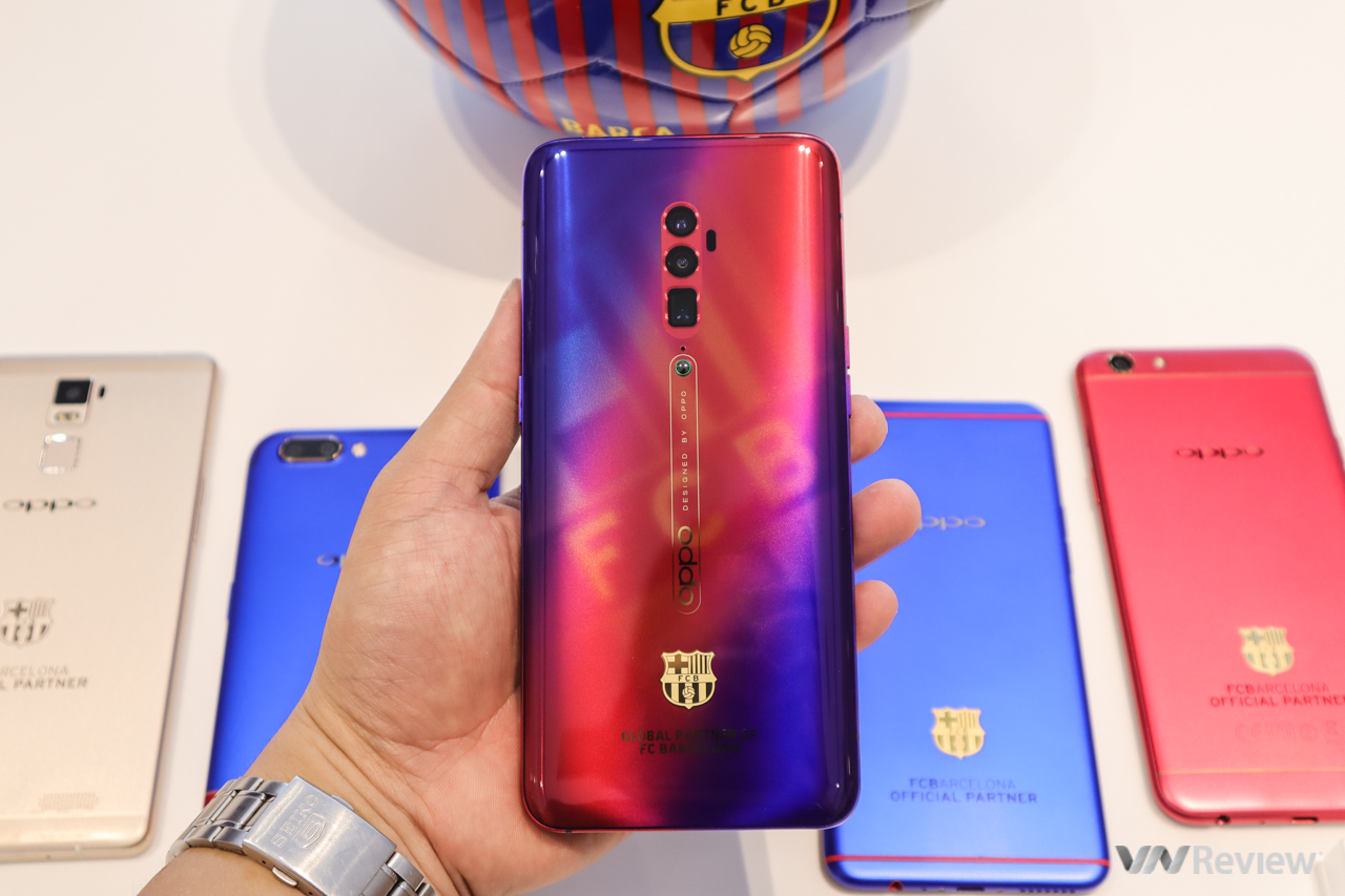 Trên tay Oppo Reno 10X phiên bản giới hạn FC Barcelona, giá chênh 4 triệu đồng so với bản 10X thông thường