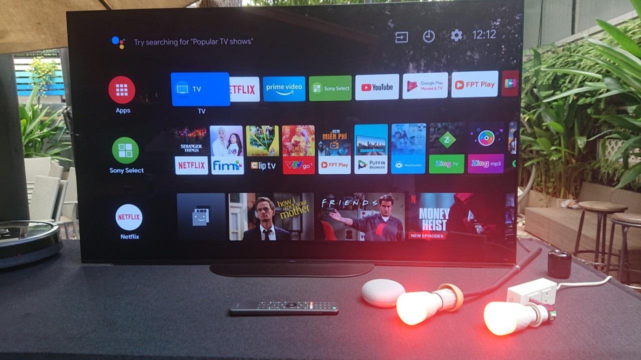 """Sony """"khoe"""" trợ lý ảo Google Assistant trên các dòng TV Bravia: đã hỗ trợ một số lệnh tiếng Việt cơ bản, nhận lệnh kể cả khi tắt màn hình"""