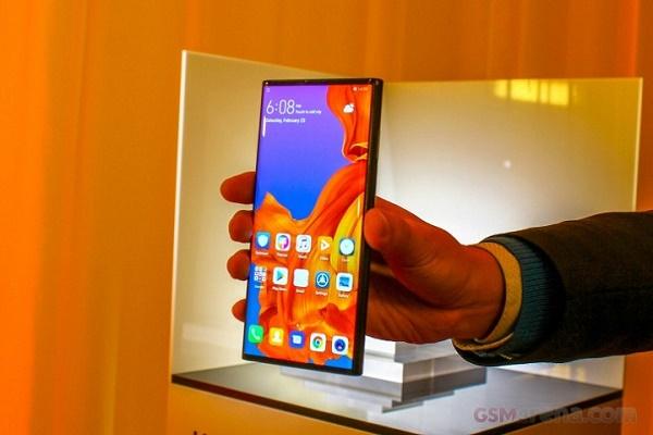 Huawei Mate X vẫn chưa sẵn sàng bán ra thị trường