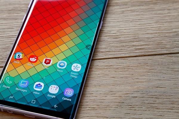 Samsung Galaxy Note 10+ ra mắt sau một năm vẫn không mạnh bằng iPhone XS Max