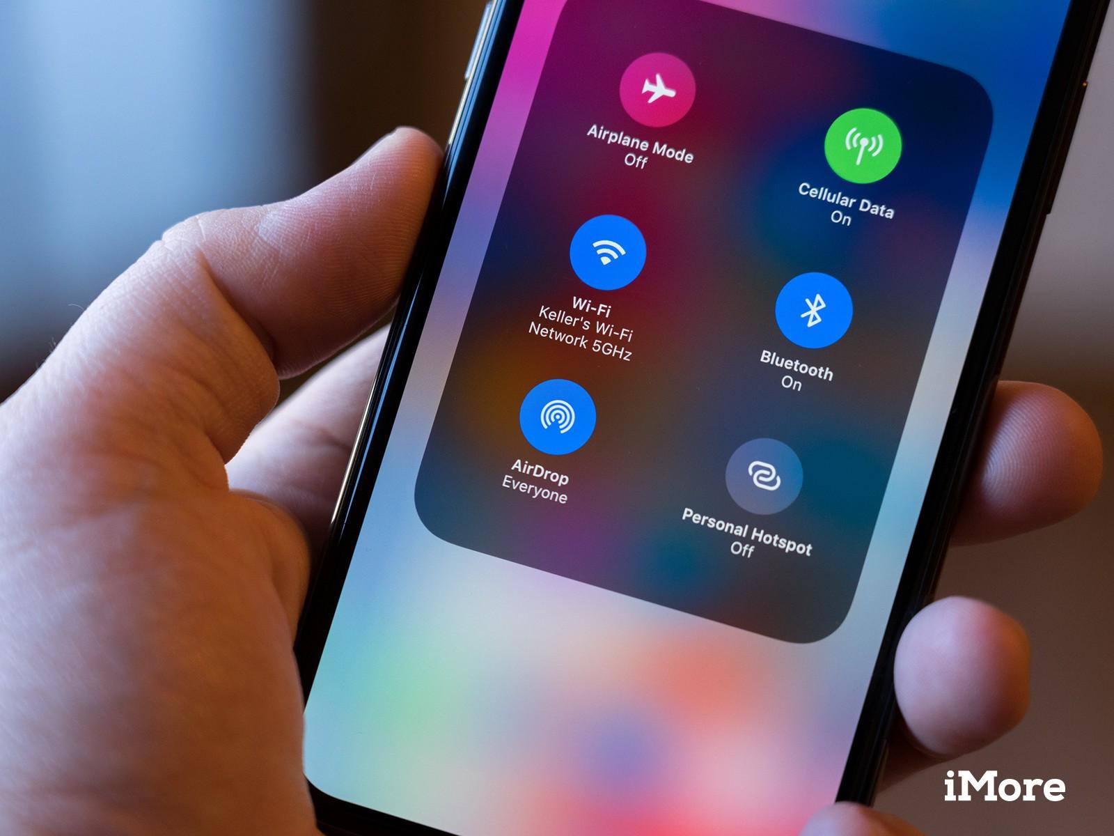 Sử dụng AirDrop có thể giúp hacker thu thập số điện thoại của bạn