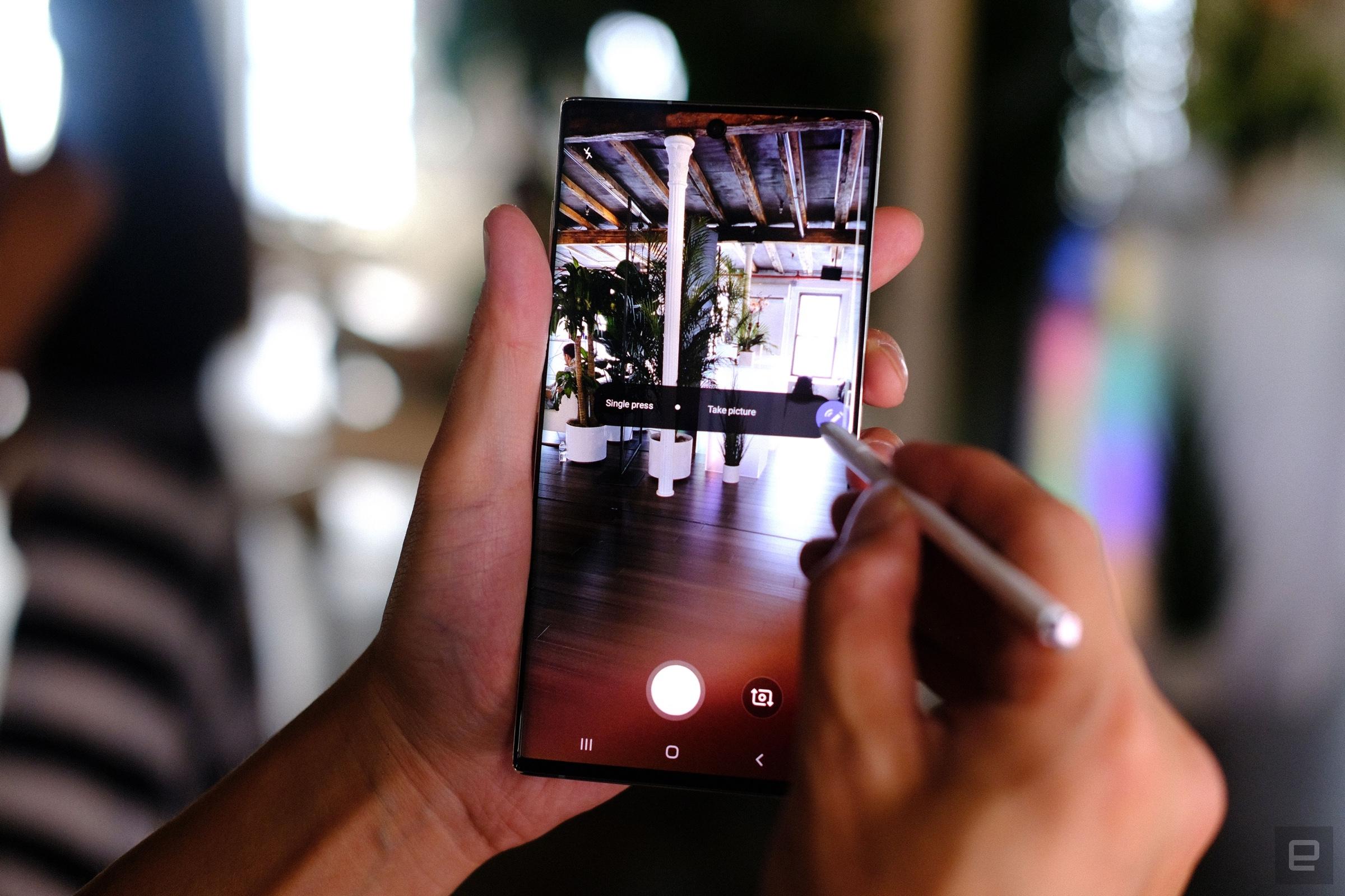 Galaxy Note 10 chính thức trình làng: 2 kích thước, bút S Pen mới và hỗ trợ DeX trên laptop