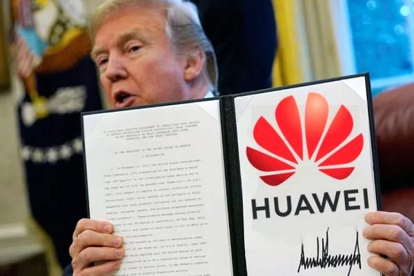 """Tổng thống Trump lại gây bất ngờ: """"Chúng tôi sẽ không hợp tác làm ăn với Huawei nữa"""""""