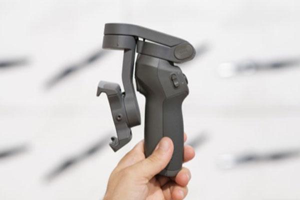 DJI ra mắt gimbal có thể gập đôi, sạc bằng cổng USB-C