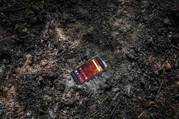 """Chứng chỉ MIL-STD-810G là gì mà nhiều smartphone hay """"khoe khoang"""" mình có?"""