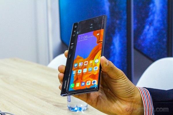 Huawei dời ngày ra mắt Mate X để tiếp tục hoàn thiện sản phẩm