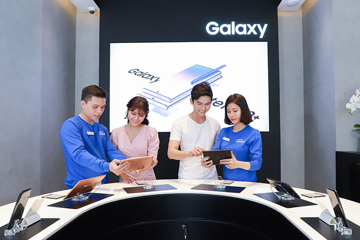 Samsung liên tiếp ra mắt 3 cửa hàng trải nghiệm SES lớn