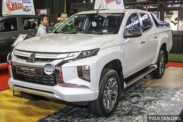 Mitsubishi Triton VGT Adventure X sở hữu thanh thể thao tiện lợi trên thùng chở hàng