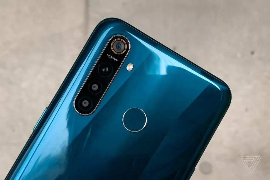 Realme chính thức ra mắt dòng Realme 5 với cụm 4 camera ở phía sau nhưng giá khá rẻ