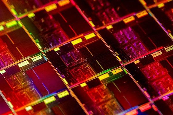 """Ice Lake chưa kịp """"nguội"""", Intel đã ra tiếp các CPU Comet Lake thế hệ thứ 10, lần đầu tiên chip dòng U có 6 nhân 12 luồng"""