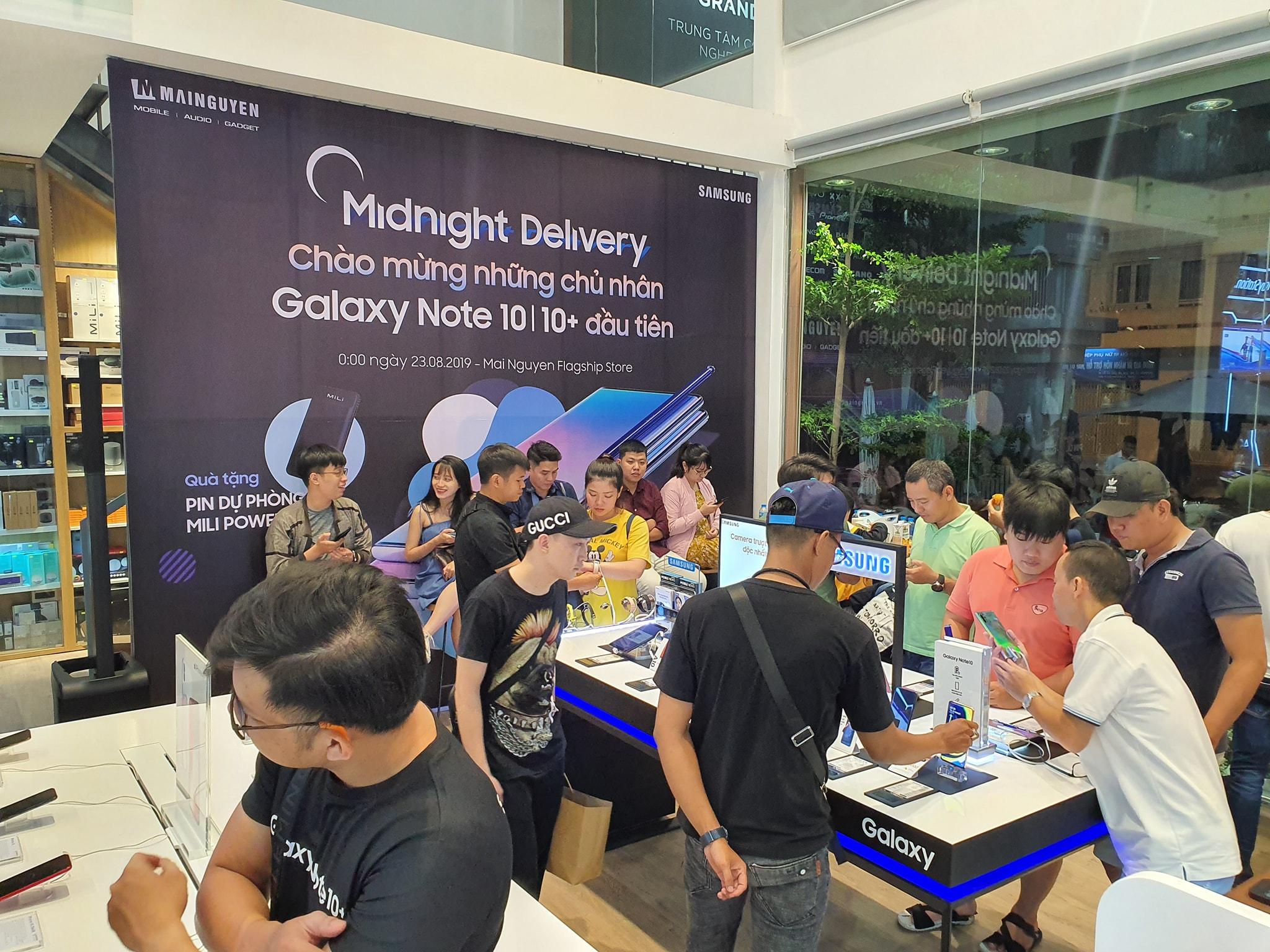 Hôm nay, Galaxy Note 10 và Note 10+ bắt đầu bán ra tại Việt Nam, phần lớn người dùng chọn Note 10+ dù giá cao hơn