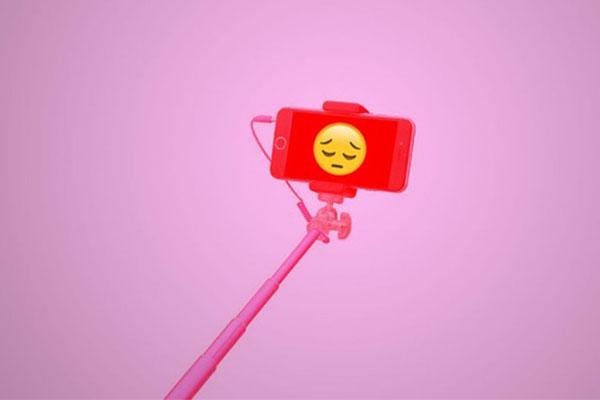 Đăng nhiều ảnh selfie có thể biến bạn thành kẻ cô đơn, thất bại