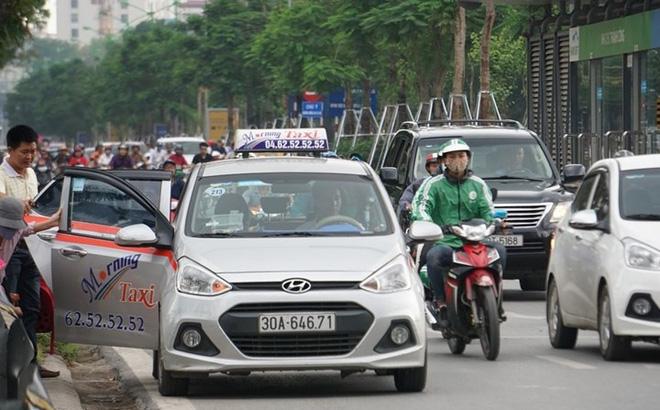 Taxi truyền thống muốn chuyển thành taxi công nghệ