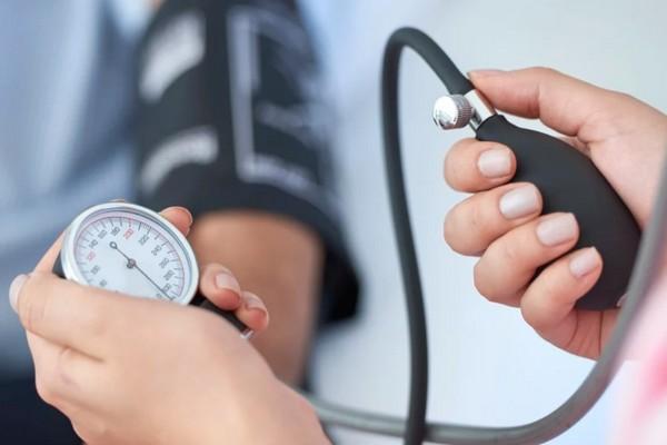 Nghiên cứu: Huyết áp cao có thể gây teo não và suy giảm trí nhớ?