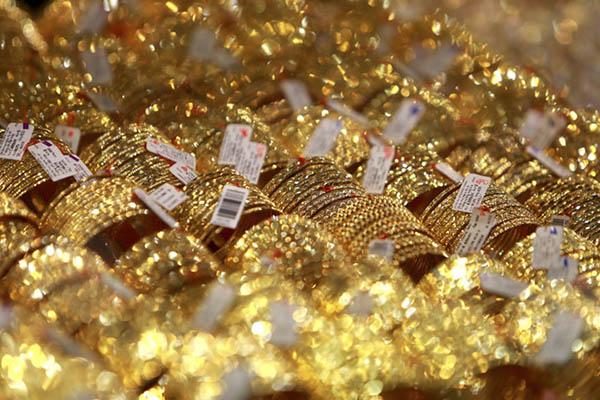 Vàng vọt lên 43,5 triệu đồng/lượng