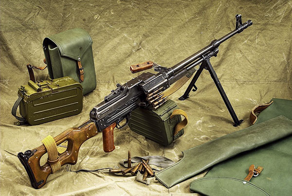 Top 5 súng máy tốt nhất, nguy hiểm nhất thế giới