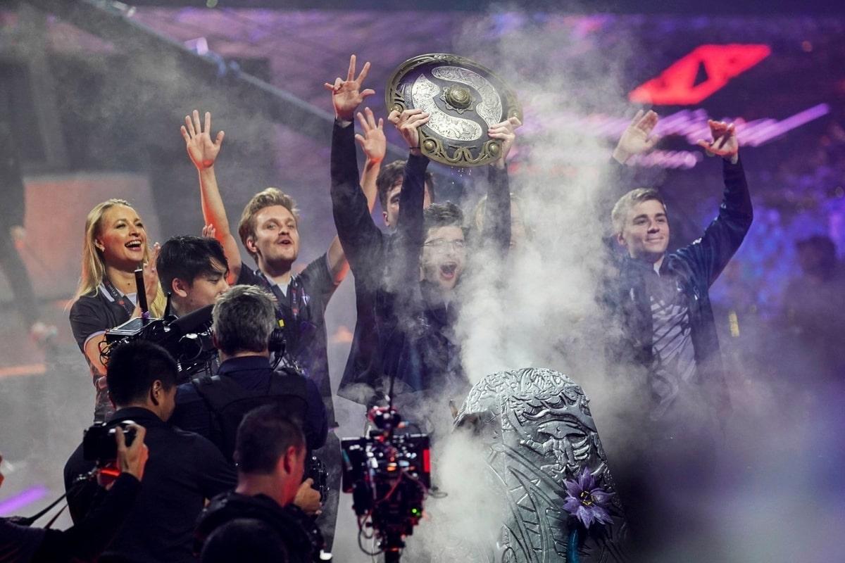 Nhà vô địch giải đấu Dota 2 kiếm được nhiều tiền thưởng hơn cả các quán quân giải quần vợt Wimbledon