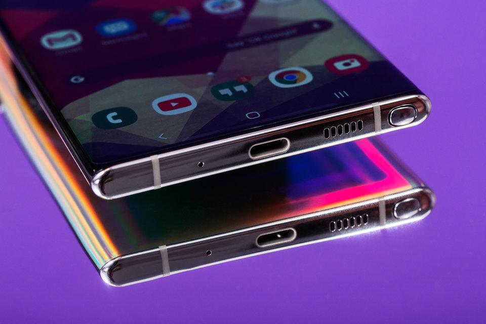 9 lý do bạn nên mua Samsung Galaxy S10 thay vì Galaxy Note 10 mới