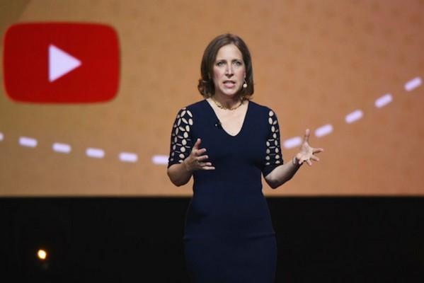 Tại sao YouTube nuôi dưỡng tràn lan các video gây tranh cãi, thậm chí gây khó chịu?
