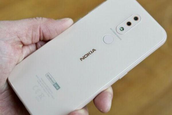 Cập nhật Android cho smartphone: Nokia nhanh chân nhất, Samsung gần lề mề nhất
