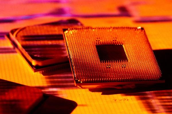 """Sau 8 năm, AMD vẫn bị bóng ma Bulldozer """"ám ảnh"""""""