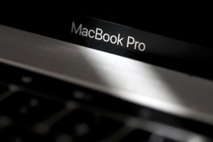 Nhiều hãng hàng không cấm ký gửi MacBook, bất kể có nằm trong danh sách thu hồi hay không