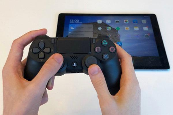 Hướng dẫn kết nối tay cầm PS4, Xbox One với iPhone, iPad