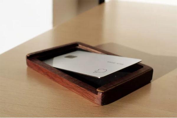 Hộp đựng thẻ Apple Card hơn 3 triệu đồng