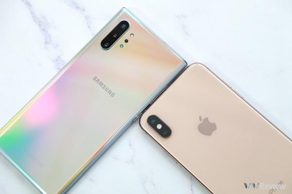"""Đọ hiệu năng và độ mượt chơi game: Galaxy Note 10+ có """"ăn được"""" iPhone XS Max một năm tuổi?"""