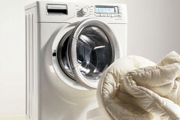 Bí quyết khử mùi máy giặt cửa trước