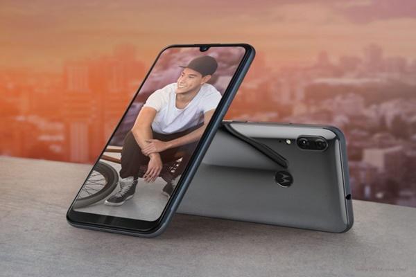 [IFA 2019]: Moto E6 Plus ra mắt với màn hình 6.1 inch, chip Helilo P22