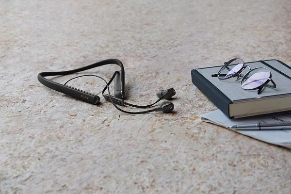 True wireless đang dần thống trị thế giới, Sony vẫn chưa từ bỏ tai nghe vòng cổ