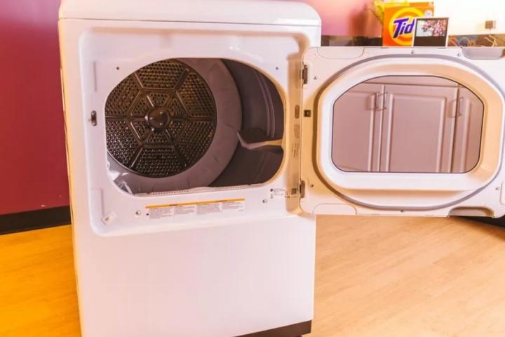 Không chỉ quần áo, đây là 24 món đồ bạn có thể cho vào máy giặt