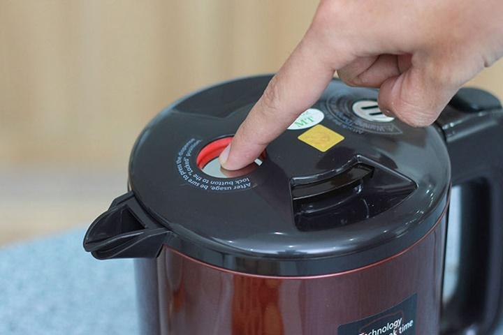 Kinh nghiệm chọn mua ấm siêu tốc an toàn và tiết kiệm điện