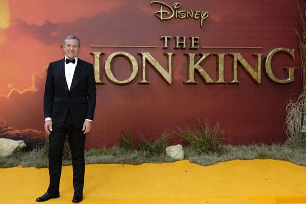 Bỗng dưng thành đối thủ, CEO Disney rời Apple