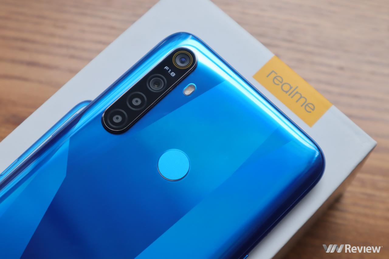 Trên tay Realme 5: đối thủ đáng gờm cho Xiaomi Redmi Note 7